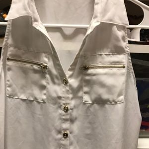 iris Tops - Sheer sleeveless blouse